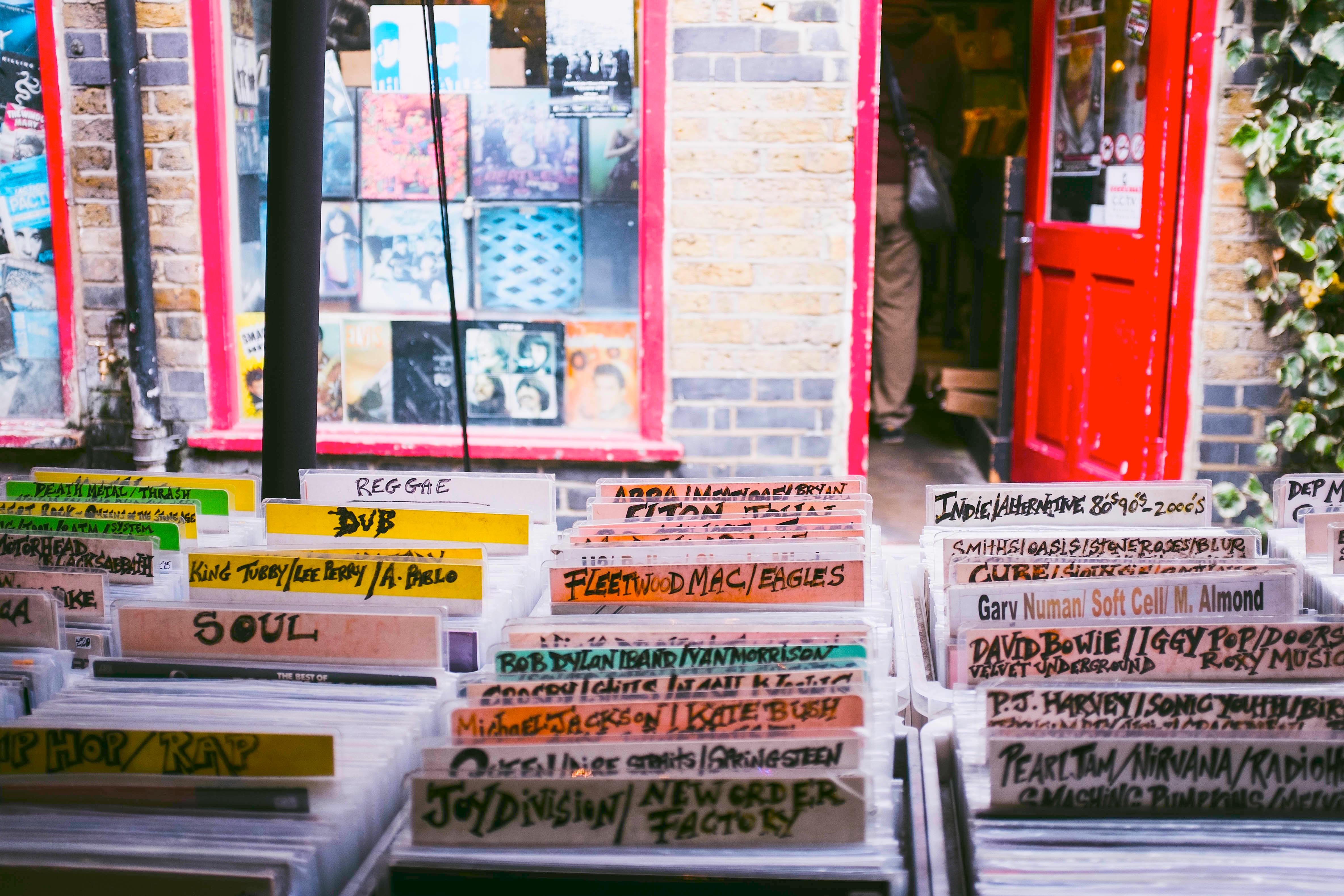 record-shop-1-con-sat